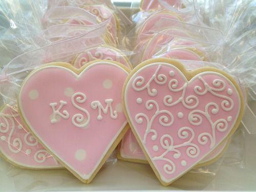 Свадебный пряник в виде розовых сердечек СВ18 фото
