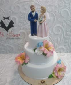 Свадебный торт с фигурками и цветами из мастики СВ3 фото